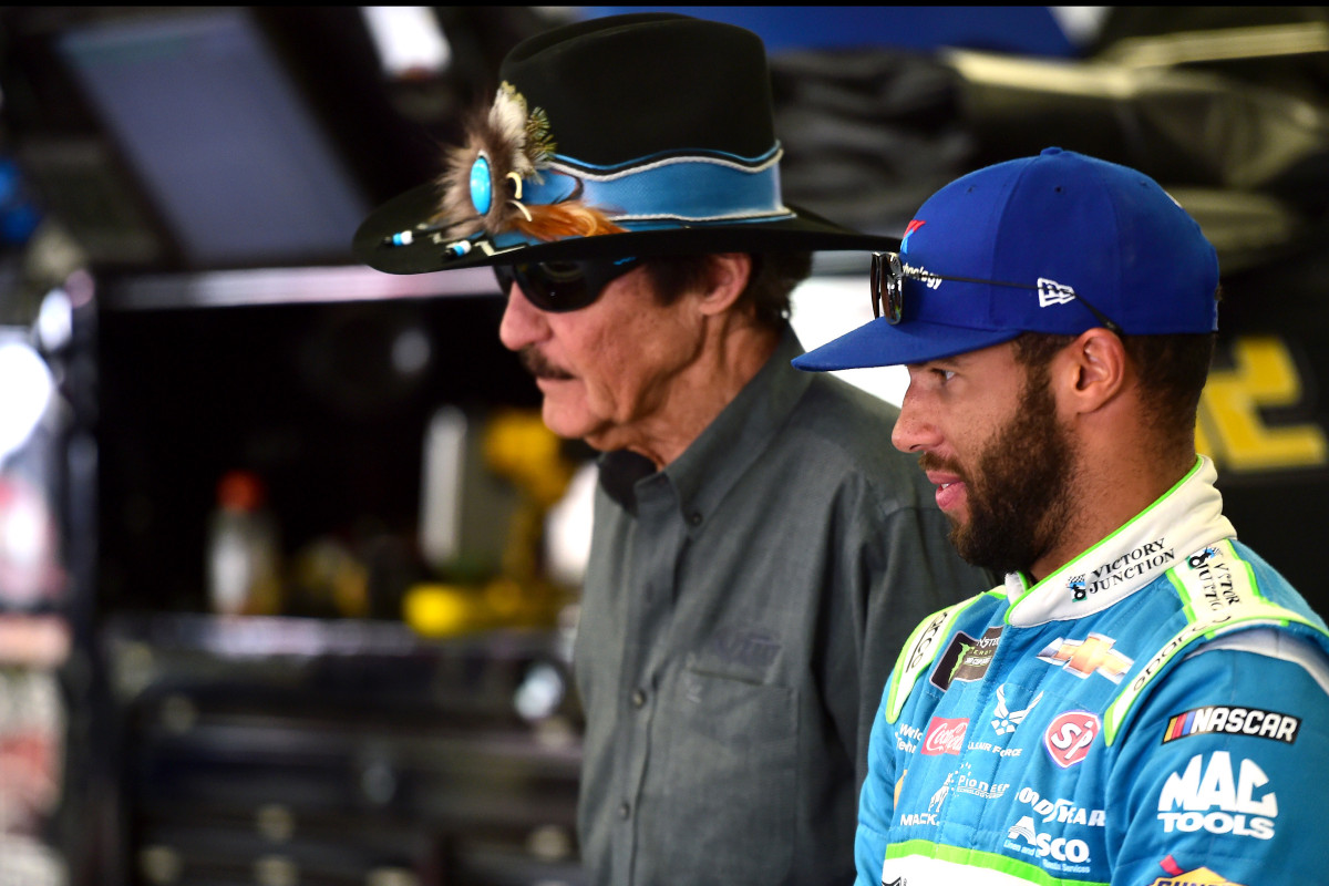 'Enraged' Richard Petty leads NASCAR's support of Bubba Wallace after noose incident