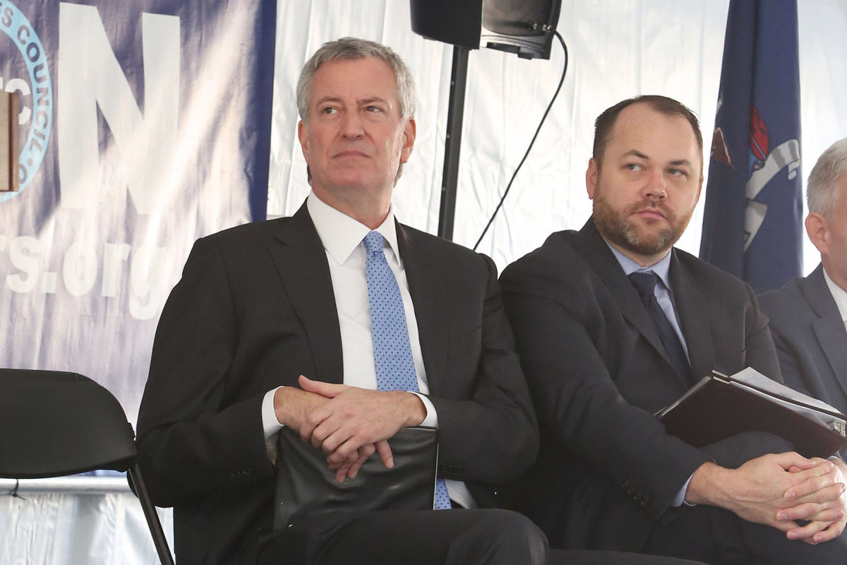 De Blasio, Council near budget deal with $1 billion NYPD cut