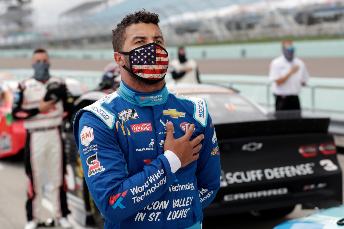 Noose found inside NASCAR driver Bubba Wallace's garage