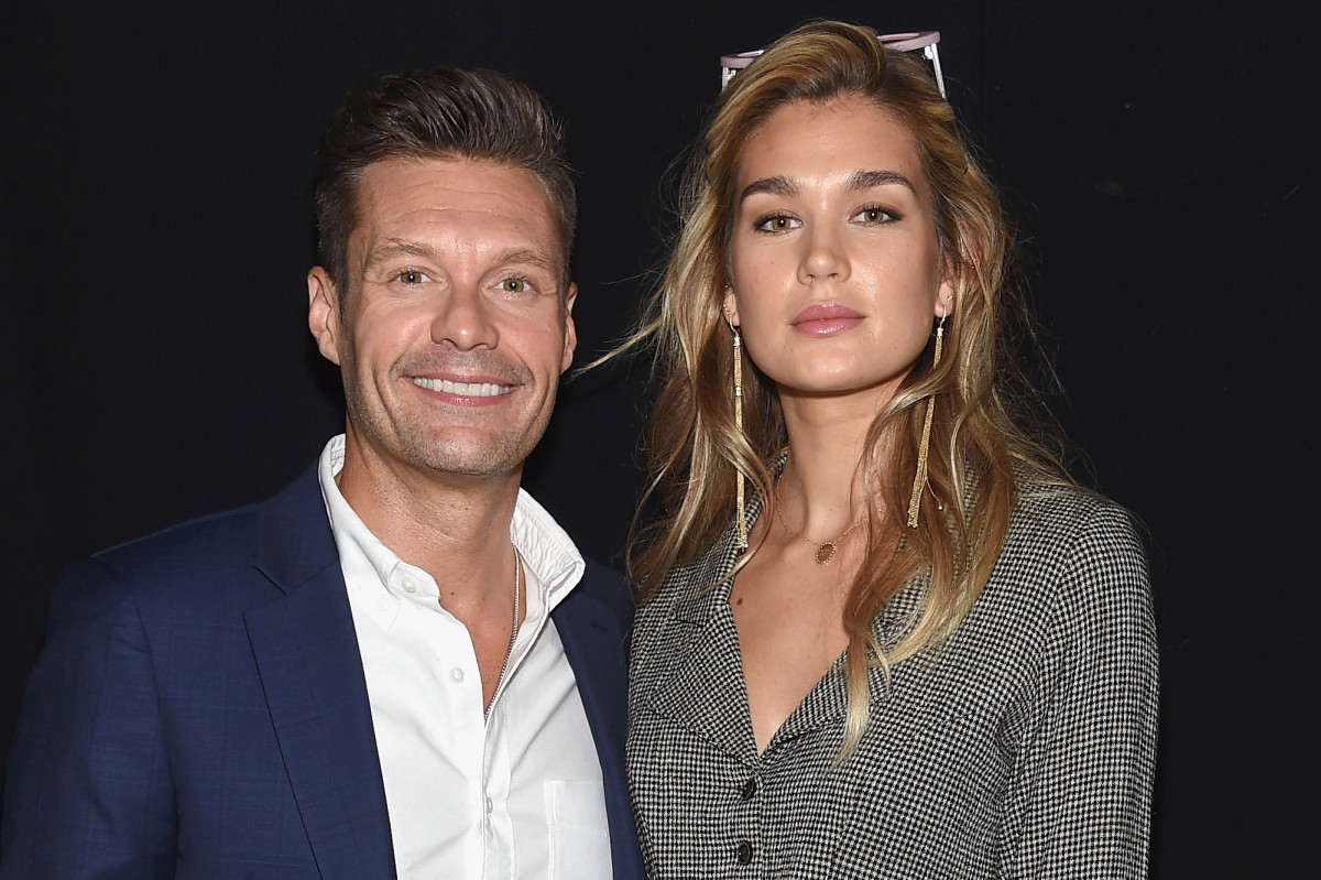 Ryan Seacrest splits from Shayna Taylor, rebounds with new lady in Mexico