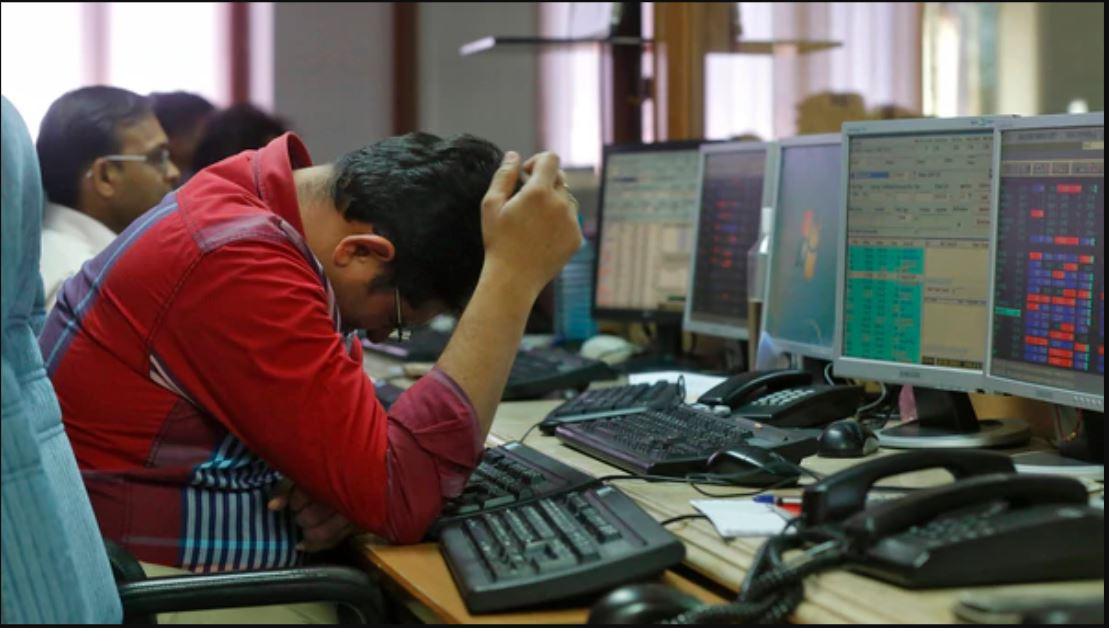 Sensex ends 329 points higher to reclaim 35k, IT stocks surge