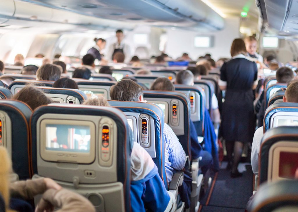 Anthony Fauci, CDC slam airline plans for full flights amid COVID-19