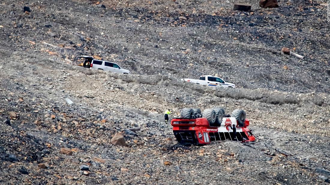 Canada tour bus crash leaves three dead