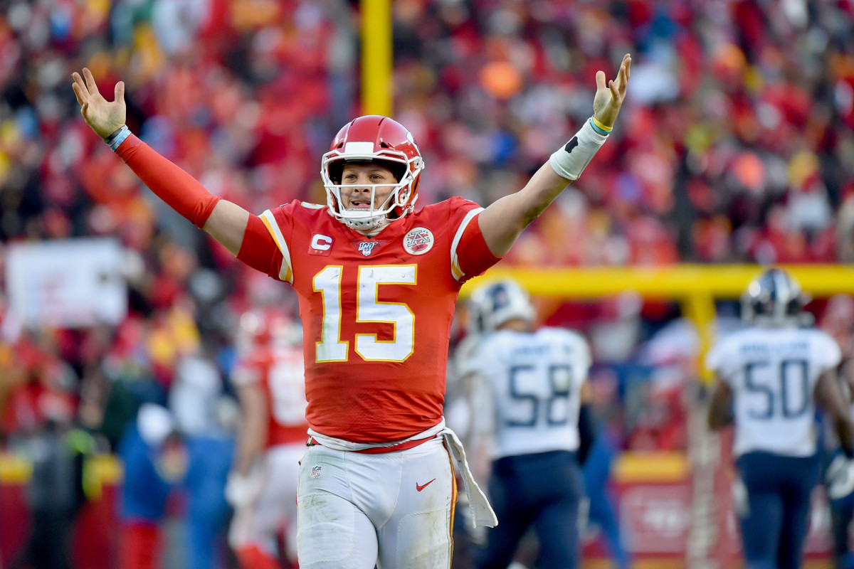 Chiefs' Patrick Mahomes reacts to historic NFL contract