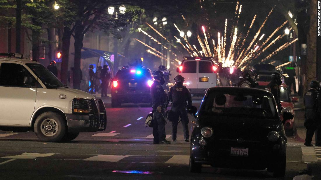 US attorney requests DHS investigation after video shows masked, camouflaged federal authorities arresting protesters in Portland