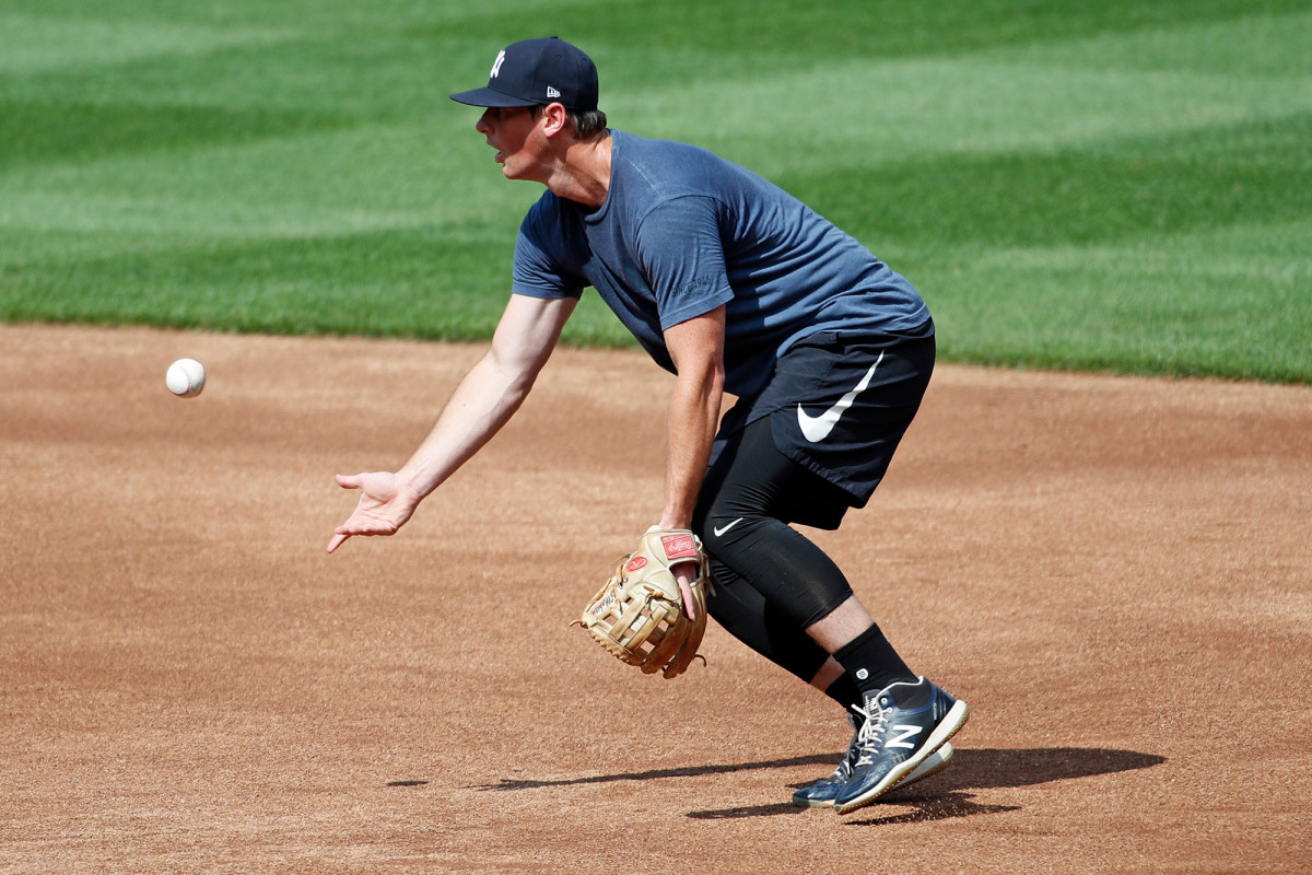 Yankees' DJ LeMahieu returns after coronavirus, Opening Day uncertain