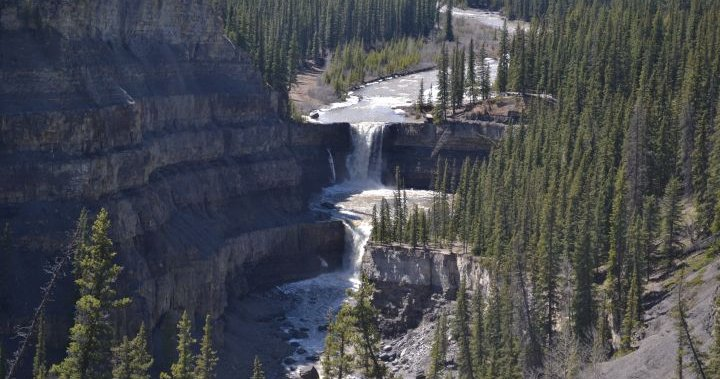 3 family members dead after being swept under Alberta waterfall: RCMP