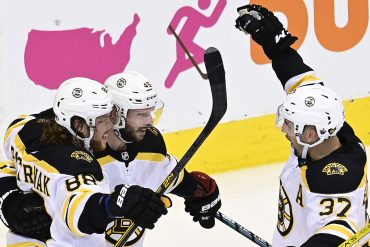 Bruins deliver strong statement in physical Game 1 win over Lightning