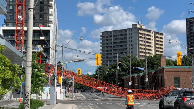 Crane collapse in downtown Toronto narrowly avoids bystander: firefighter