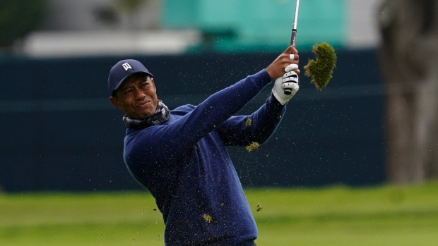 Weeks: Tiger Woods, Brooks Koepka shine in opening PGA round
