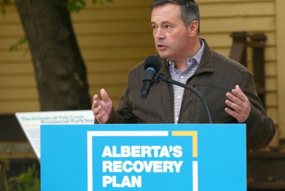 Alberta Premier Jason Kenney is pictured at Fish Creek Park in Calgary during a press conference on Tuesday, September 15, 2020. Premier Kenney and Environment and Parks Minister Jason Nixon announced substantial support by Alberta taxpayers for provincial parks and public lands infrastructure that will create jobs across the province. Jim Wells/Postmedia