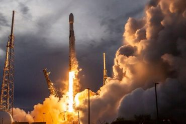 How to watch SpaceX give Starlink satellite launch another go Monday