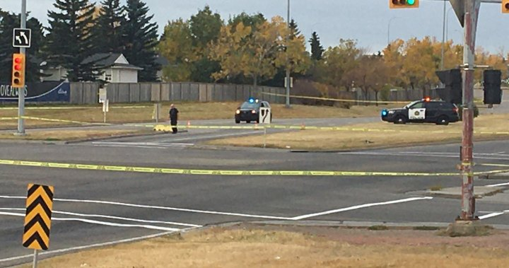 Calgary police investigate body found on Memorial Drive  - Calgary