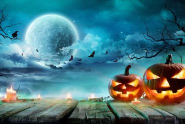 There will be a rare full 'blue moon' in Vancouver on Halloween