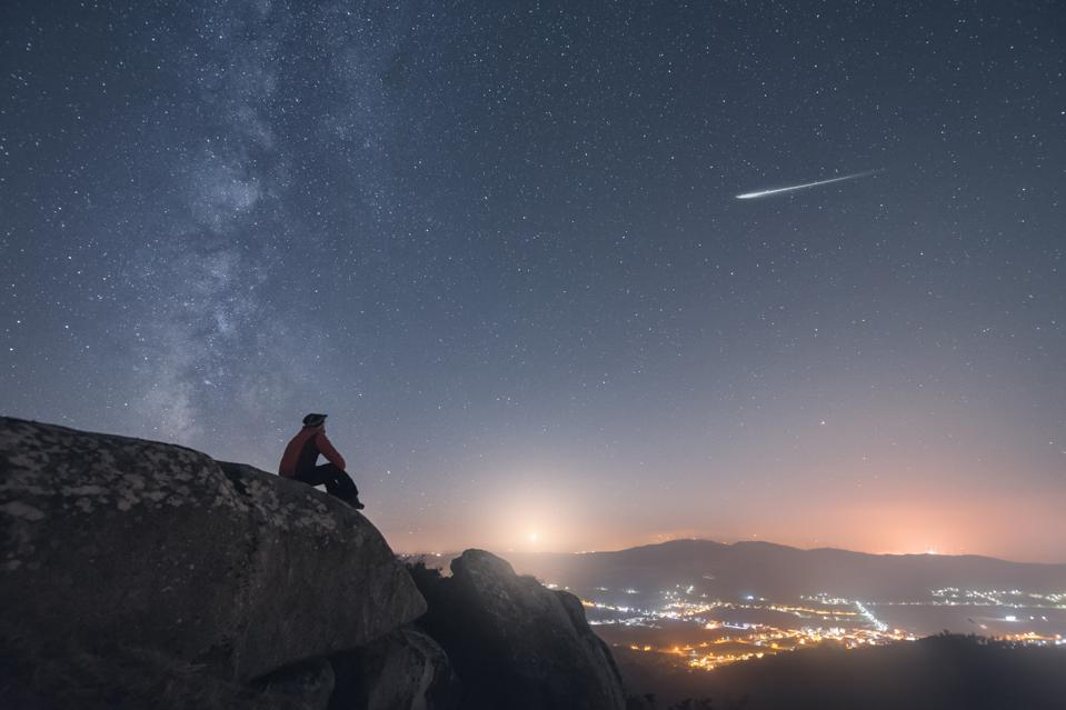 You might get lucky with a ″shooting star″ this week as the Ursid meteor shower peaks.