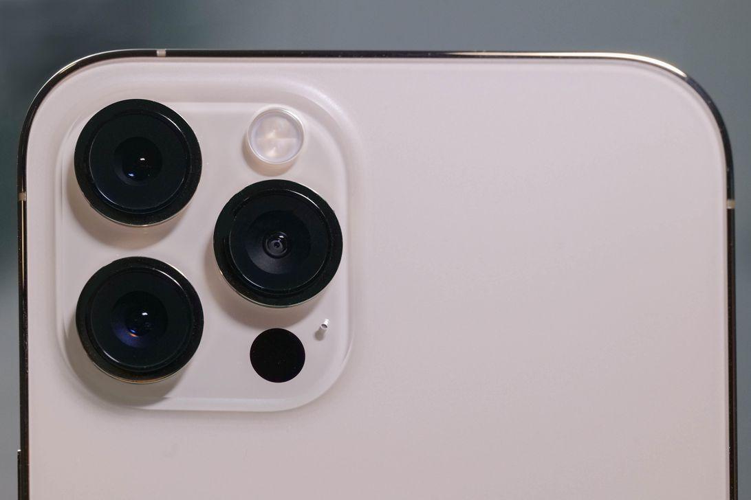 22-iphone-12-pro-max-edit