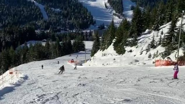 People turned away at packed North Shore ski hills; new parking fees introduced
