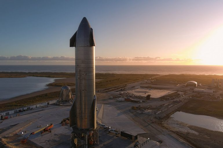 Watch SpaceX launch Starship prototype rocket SN8's high-altitude test