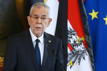"Alexander van der Bellen: Austria's federal president ""deeply worried"" about deportation to Vienna"