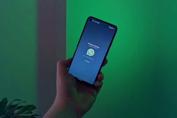 Export: Reverts to the WhatsApp chat function, which was removed only for German users
