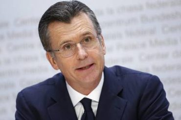 OECD Chair: Philip Hildebrand First Barrier - Economy - Honors