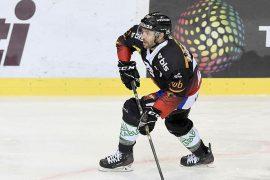 EHC Munich honored NHL veteran and bronze medalist Andrew Abbett