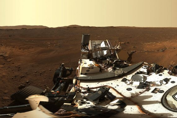 NASA Rover Sends First High-Resolution Panorama Image