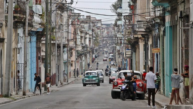 Cuba continues to open economy for privatization