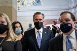 Stress on video: Mitt Romney escapes from the crowd