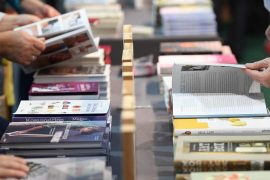 """Book Fair: +++ The federal government supports the book fair with 5 million euros +++ Inauguration of booklets as """"recognition"""" +++ This new book award is Jury +++.  hessenschau.de"""