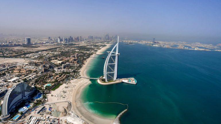 BILD columnist Alexander von Schoenberg - This is the Dubai trick - people