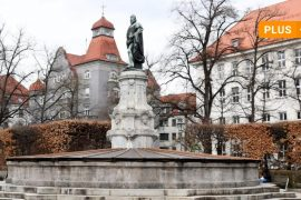 Art in a public place: Augsburg Litpold Monument: brought home from Scraphouse