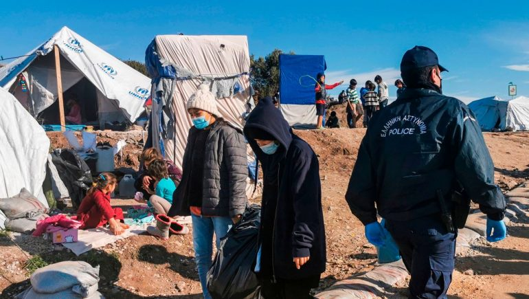 Lesbos: The new refugee camp at Lesbos will not be ready in time