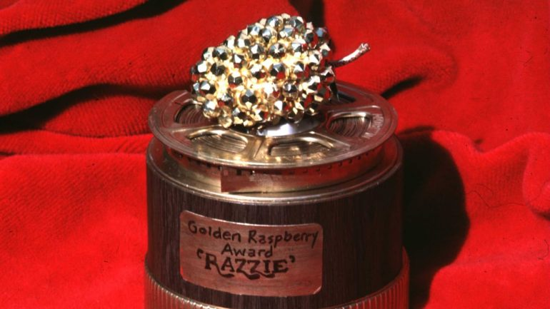 """Double Nominated!  Will this former politician get """"Golden Raspberry""""?  - movie theater"""