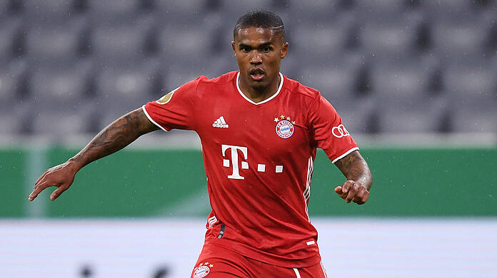 FC Bayern was loaned for one year: Douglas Costa.