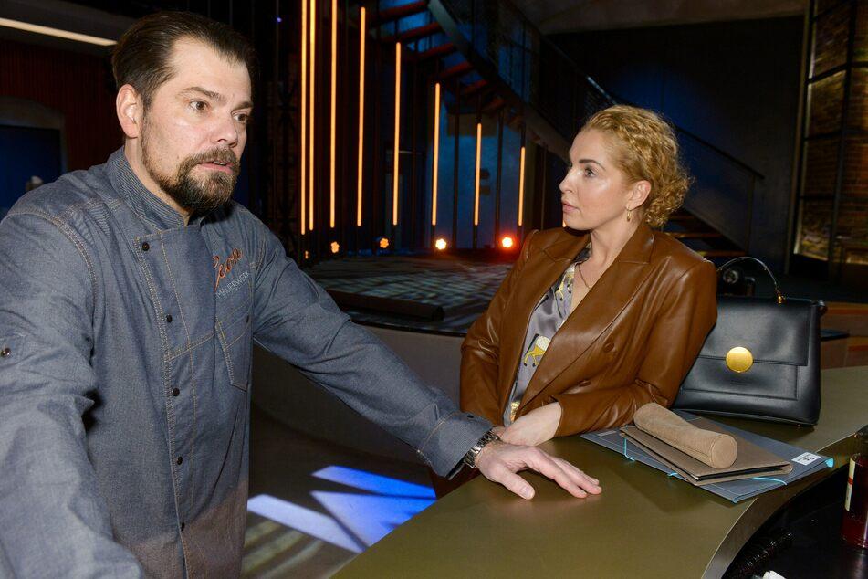 Nina is also irritated by her boyfriend's behavior.