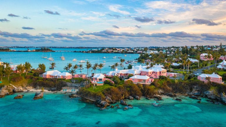 As Bermuda - United States compares Switzerland with Bermuda - former Ambassador Thomas Borer fears the most