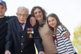 Captain Tom's family asks for fundraising