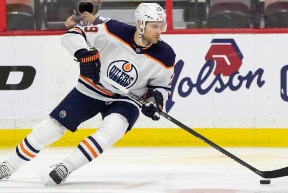 Ice Hockey - Derisitel lead off a hat trick against the Senators - Sport