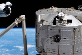 """SpaceX: Four astronauts successfully enter ISS with """"Crew Dragon"""""""