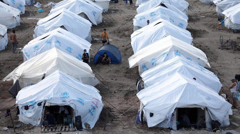 Midwife accuses EU of stigmatizing refugee camps