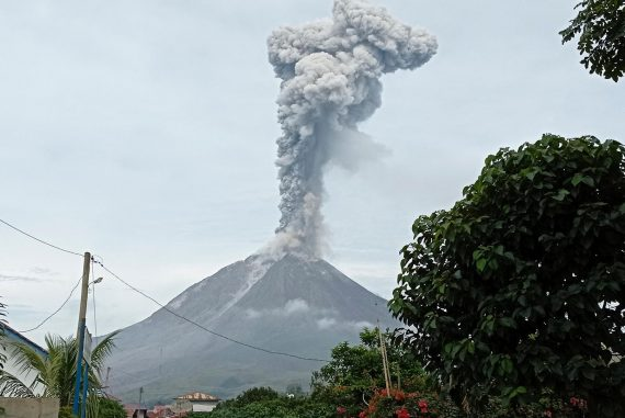 Volcanoes in Indonesia spit kilometer-high ash into the air