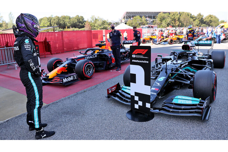 Hamilton Tower in Barcelona with 100th F1 poll