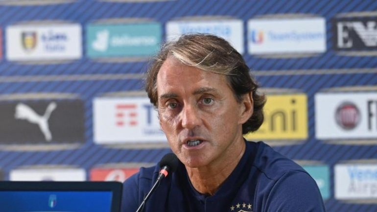 Football - Italy national coach Mancini extends contract - Sport
