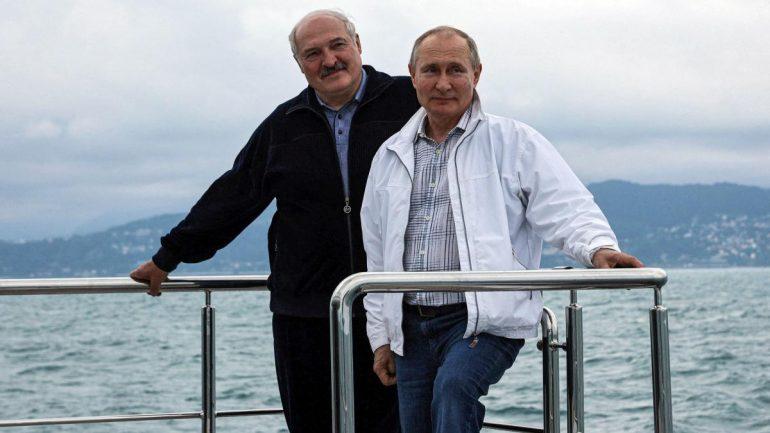 Putin and Lukashenko: Russia supports Lukashenko with new million euro loan