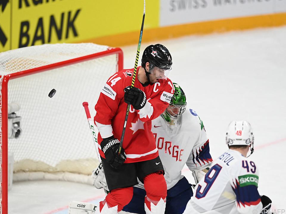 Canada's Adam Heinrich scored twice in a 4–2 draw against Norway