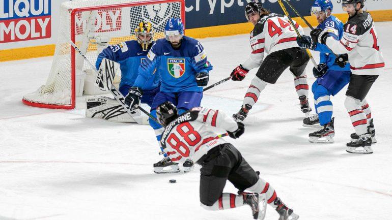 Kanada besiegt Italien.