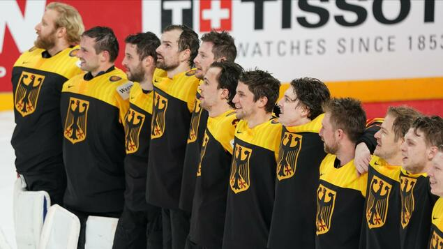 Three wins at Ice Hockey World Championship in the beginning: when Korby, Moe & Co. sing without Leon - game