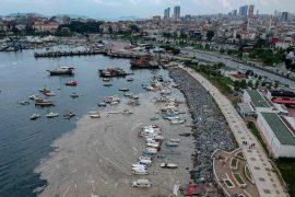 Istanbul: slimy mass contaminates the Sea of Marmara in Turkey
