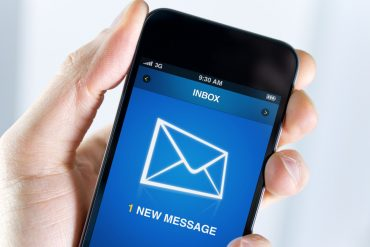 Instead of package notifications, now this: This SMS steals your bank details